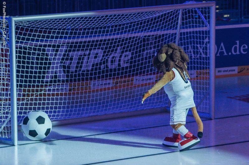 Eisfussball2015-Lionel-1010.jpg